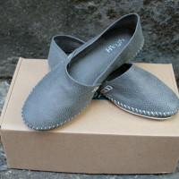 NOAHSHOES HAHA灰色皮料休閒鞋 @amarylliss。艾瑪[隨處走走]